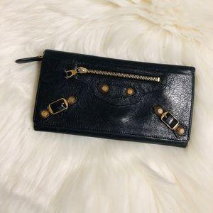 😍NEW LISTING😍 BALENCIAGA wallet